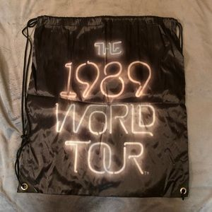 Taylor Swift Bags - 1989 Tour Taylor Swift sinch sack